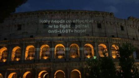Dal Colosseo alla Scala Santa, Roma è arcobaleno per il Ddl Zan