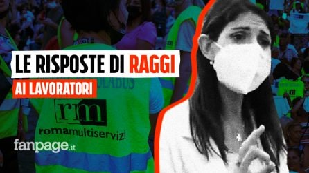 Il blitz dei lavoratori di Roma Multiservizi che hanno chiesto a Raggi chiarezza sul loro futuro