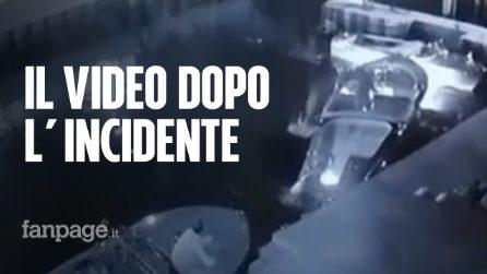 Le immagini dei due turisti dopo l'incidente sul Lago di Garda: uno dei due barcolla e cade in acqua