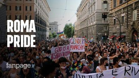 """Roma si colora con la sfilata del pride: """"Vogliamo il ddl Zan subito"""""""