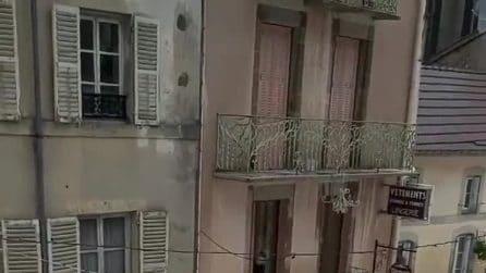 Francia: immagini apocalittiche da Plombières-les-Bains: sommersa dalla grandine