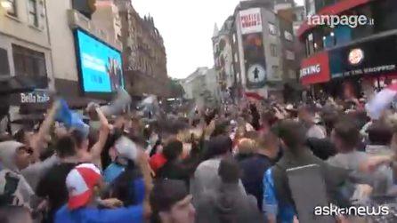 Euro2020, calca dei tifosi inglesi a Londra nonostante il virus
