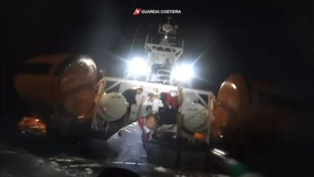 Migranti, si ribalta barcone a largo di Lampedusa, almeno 7 morti