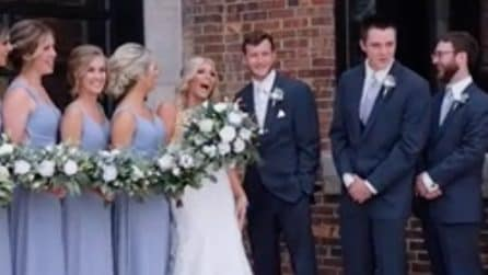 La fotografa chiama la sposa con il nome dell'ex fidanzata dello sposo, provocando la sua reazione