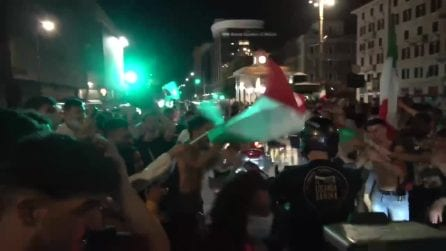 L'Italia batte il Belgio: festa in strada a Roma. Tensione con la polizia sul Muro Torto