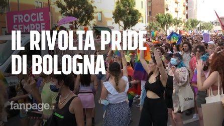 """""""Oggi siamo noi i partigiani della libertà"""": in migliaia per le vie di Bologna per il Rivolta Pride"""