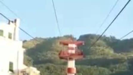 Funivia del Faito bloccata, il video dell'arrivo in stazione della cabina