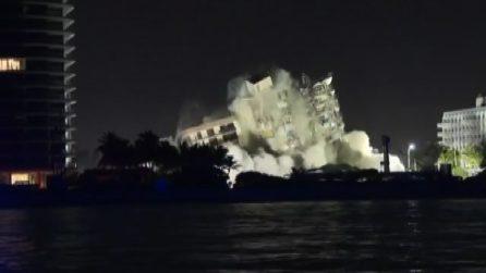 Miami, demolito il resto del palazzo parzialmente crollato
