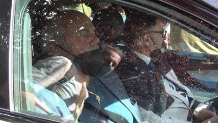 Sergio Iapino accompagna Raffaella Carrà nell'ultimo viaggio: l'arrivo in macchina con il feretro