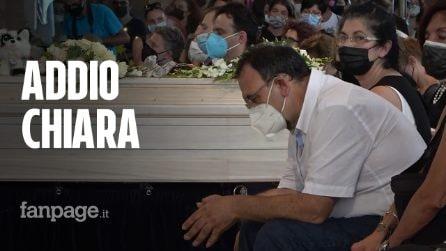 Omicidio Chiara Gualzetti, centinaia di persone ai funerali della 15enne accoltellata vicino Bologna