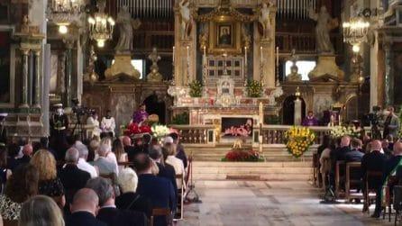 Raffaella Carrà devota a Padre Pio: l'urna a San Giovanni Rotondo, poi all'Argentario