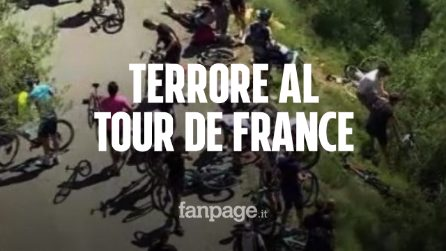 Terrore al Tour de France, maxi-caduta in discesa: diversi corridori volano giù