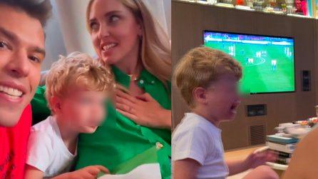 Fedez, Chiara e il figlio cantano l'Inno prima della partita: poi le lacrime del piccolo Leone