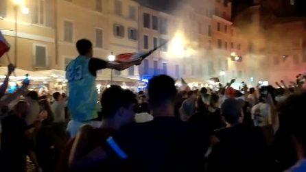 L'Italia vince Euro 2020: la gioia esplode in Campo de Fiori