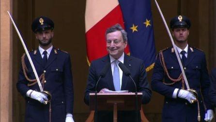"""Draghi rende omaggio alla Nazionale di Mancini ma non vede Donnarumma: """"Ndo stai? Che parate"""""""