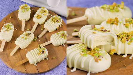 Pistachio and chocolate popsicles: a true delicacy ready in a few simple steps!