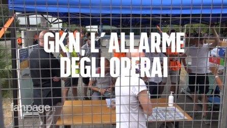 """GKN, gli operai licenziati: """"Guardie armate pagate dall'azienda, temiamo sabotaggi"""""""