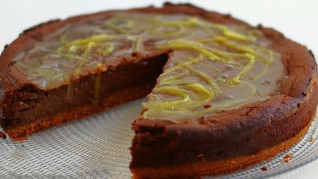Cheesecake al cioccolato con glassa al limone: il dessert davvero goloso