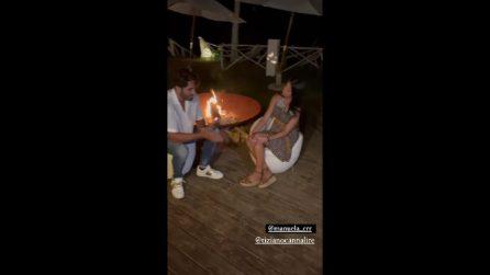 Luciano Punzo e Manuela Carriero recitano un falò di confronto, il tentatore prende in giro Stefano