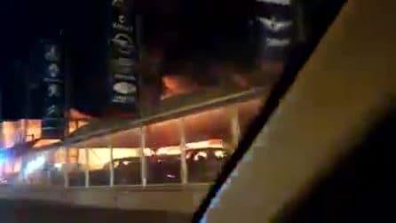 Incendio doloso distrugge concessionaria a Lago Patria