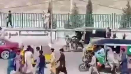Afghanistan, è il giorno della protesta contro i talebani