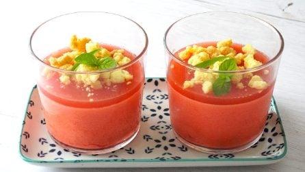 Budino all'anguria con crumble al limone: il dessert che amerete