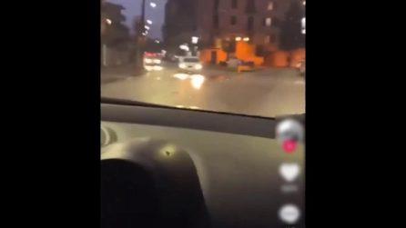 Simula sirena dei carabinieri in auto e mette video su TikTok, denunciato minorenne