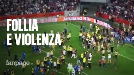 Follia e violenza a Nizza: i tifosi invadono il campo a caccia dei giocatori del Marsiglia