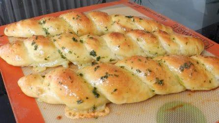 Filoncini di pane al formaggio: la ricetta gustosa e semplice da preparare