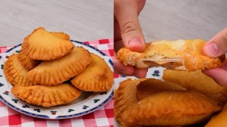 Mini calzones: perfect to amaze your guests!