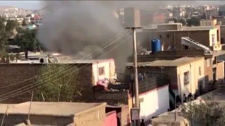 Kabul, razzo colpisce casa nella zona dell'aeroporto: almeno due morti