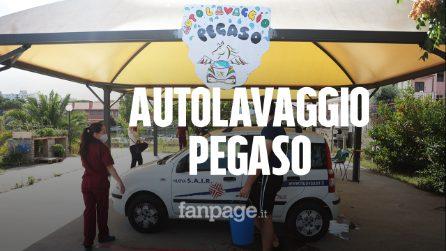 """Tor Bella Monaca, l'autolavaggio gestito dai ragazzi autistici: """"Così possiamo costruirci un futuro"""""""