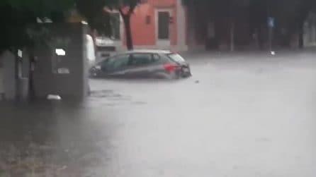 Nubifragio in Salento: a Nardò, case, auto e strade allagate in pochi minuti