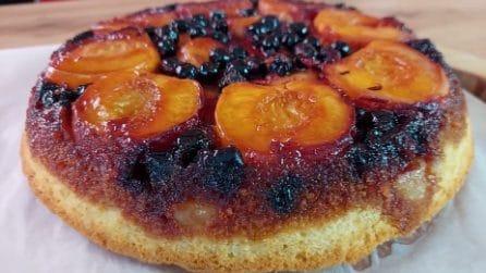 Torta rovesciata alla frutta: la ricetta originale e golosa
