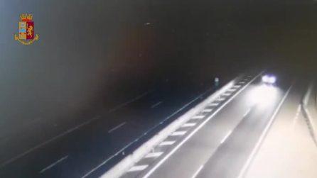 Percorre dieci chilometri in contromano in superstrada: alla guida un uomo ubriaco