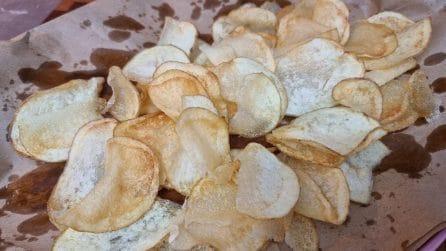 Chips di patate croccanti: la ricetta per averle davvero perfette