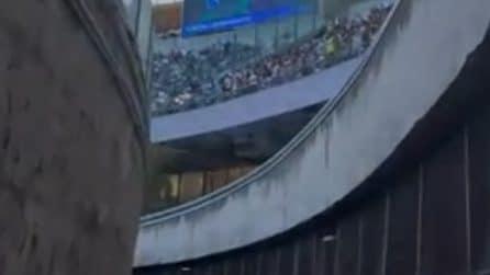 Lady Mertens nel fossato dello stadio Maradona prima di Napoli-Juve: il video su Instagram