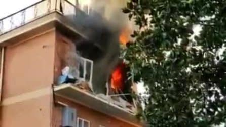 Fuga di gas a Torre Angela: esplosione in un appartamento, diversi feriti