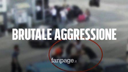 """""""Non potete entrare senza mascherina"""": negoziante picchiato brutalmente dal branco"""