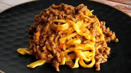 Tagliatelle al ragù fatte in casa: la ricetta del primo piatto straordinario