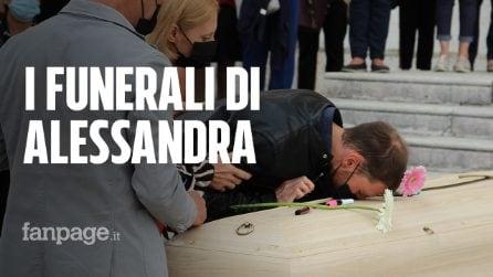 """I funerali di Alessandra Zorzin, il compagno piegato dal dolore: """"Mai più violenza sulle donne"""""""