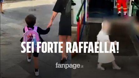 Raffaella lascia l'ospedale Santobono ballando e torna a scuola tra gli applausi degli altri bimbi