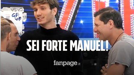 Manuel Bortuzzo cammina con i tutori al GFVip, forte l'emozione degli altri concorrenti