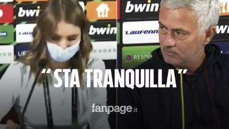"""La traduttrice va in crisi e dimentica le parole, il gesto di Mourinho: """"Sta tranquilla"""""""