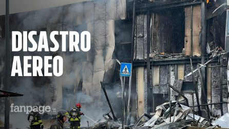 """Aereo precipita a Milano, 8 morti tra cui un bambino: """"Il velivolo era già in fiamme"""""""