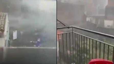 Maltempo, tromba d'aria a Catania: tutta la violenza della tempesta