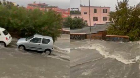 Maltempo, strade come torrenti: situazione critica a Pozzuoli