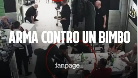 Rapina in una pizzeria di Casavatore, fucile puntato in faccia a un bambino di pochi anni