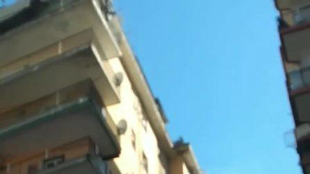 Napoli, incendio in un appartamento a Fuorigrotta