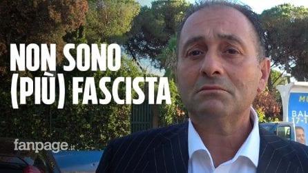 """Tor Bella Monaca, il candidato di Meloni tra libri del Duce e saluti romani: """"L'antifascismo è abusato"""""""